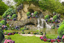 Garden design:An old water cave garden