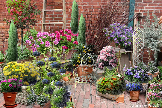 Garden design:Potter's porch - Spring